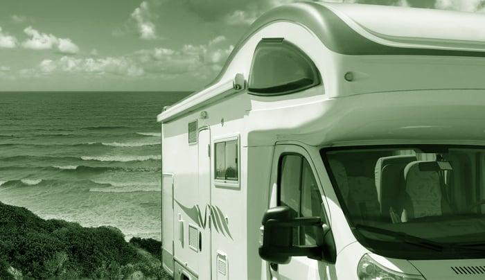 Plafoniera Per Roulotte : Lumo uno plafoniera al neon per illuminazione di caravan e camper